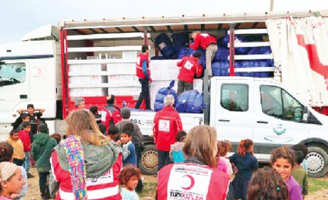 Türk Kızılayı, 66 mülteciye gıda ve giyecek yardımı