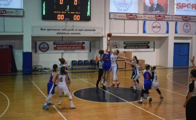 Düzce Kadın basketbol takımında galibiyet serisi sürüyor