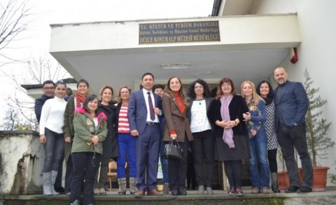 Rektör Çakar, Konuralp Müzesi Çocuk Kültür Sanat Atölyesini ziyaret etti