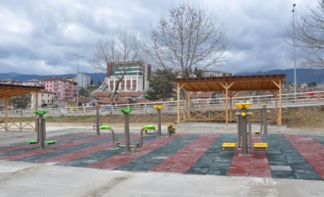 Karabük Belediyesi, çocuk parklarını onardı