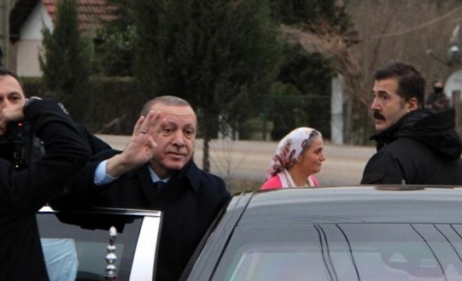 """Cumhurbaşkanı Erdoğan: """"FETÖ'cü alçaklara karşı ayakta dimdik durdunuz"""""""