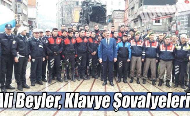 Ali Beyler, Klavye Şovalyeleri...