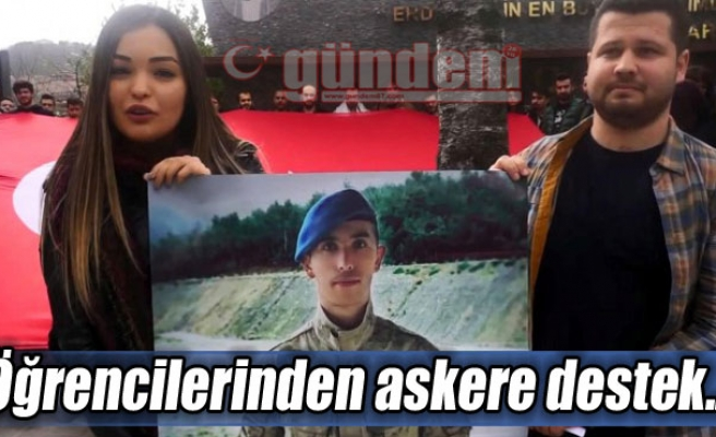 Öğrencilerinden askere destek...