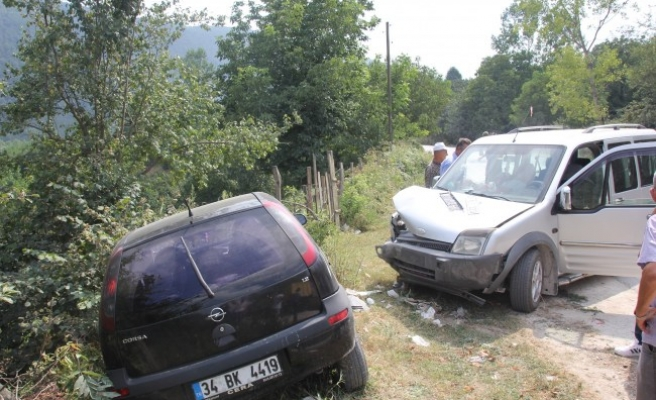 Gümüşova rampasında; Trafik Kazaları: 4 Yaralı