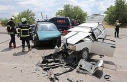 Otomobiller kafa kafaya çarpıştı, 1 ölü, 7 yaralı