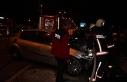 İki otomobil çarpıştı, araçlardan biri alev...