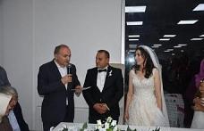 Bakan Özlü, Düzce'de nikah şahidi oldu