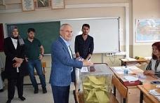 Ceylan ve milletvekili adayları oylarını kullandı