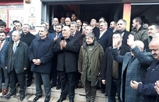 AK Parti sokakta..