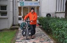 Fransız bisikletli Çaycuma'ya hayran kaldı