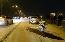 Otomobilin çarptığı motosikletli bekçi yaralandı