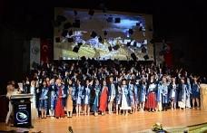 Düzce Üniversitesi Tıp Fakültesi'nden mezuniyet coşkusu