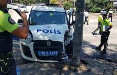Polis otosu ile otomobil çarpıştı: biri polis 2 hafif yaralı
