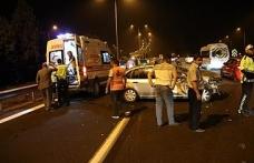 Tıra arkadan çarpan otomobilde bulanan 2 kişi yaralandı