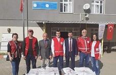 Miniklere Türk Kızılayını anlattılar, uçurtma uçurdular