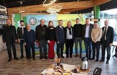 Başkan Yanmaz Hamsifest'e katkıda bulunan iş adamlarına plaket verdi