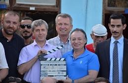 Vali Çınar film setini ziyaret etti