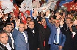 AK yürüyüşler yoğun katılım ile başladı