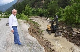 Uzun, zarar gören köy yollarını inceledi