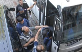 Polis davulu patlattı