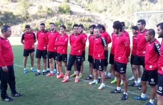 Başkan Uysal,Gerede kampında futbolcuları yalnız...