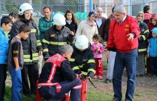 Itfaiye'den ev hanımlarına yangın eğitimi