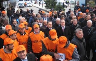 Gmis'ten yol-iş üyelerinin eylemine destek