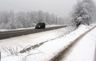 Zonguldak'ın yüksek kesimlerinde kar etkili oluyor