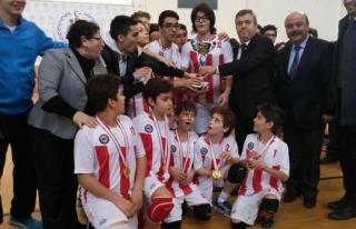Utku Koleji Ortaokulu İl şampiyonu oldu