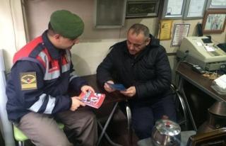 Jandarma hırsızlığa karşı broşür dağıttı