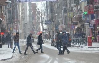Kar; Zonguldak´ta hayatı olumsuz etkiledi