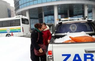 Belediyeden vatandaşlara 4x4 araçlarla hizmet