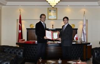 Rektör Özer'den akademik ve idari personele teşekkür...