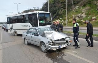 Direksiyon hakimiyetini kaybedince halk otobüsüne...