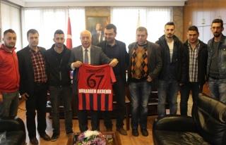 Zonguldakspor amigoları Başkan Akdemir'i ziyaret...