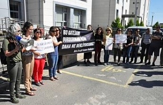 Kadınlar protesto etti...