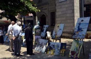 Ev hanımlarından yağlı boya sergisi