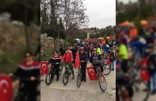 Türk Bayrağı 'Türk Kadının Zaferi Bisiklet...