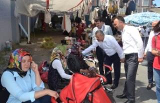 Türkmen, Cumartesi pazarını gezdi