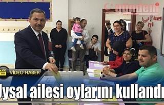 Uysal ailesi oylarını kullandı