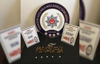 Zehir Tacirleri Operasyonu, 2 gözaltı