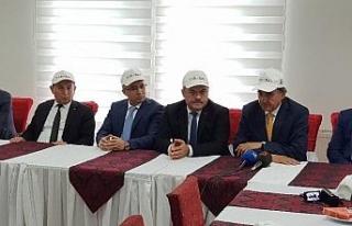 Vali Çeber, yeni milletvekilleri ile ilk toplantısını...