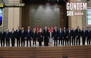 Başkan Erdoğan yeni kabineyi açıkladı!...