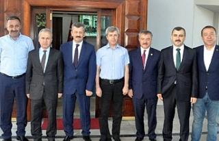 İlk ziyaret Vali Çınar'a!