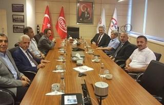 Vali Çınar, Erdemir'i ziyaret etti