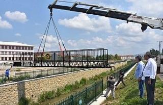 Karaca Deresine köprü konuldu