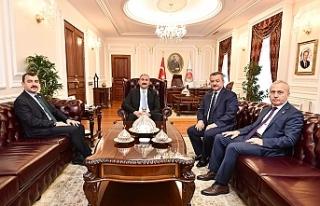 Abdülhamit Gül'ü ziyaret ettiler