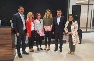 AK Parti Kadın Kollarından çıkarma