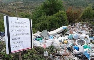 Çöp atanlara çevrecilerin tabelalı tepkisi