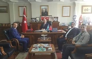 Sönmezoğlu'nu ziyaret etti..